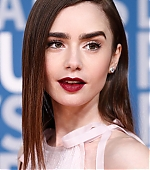 lily-collins-10~2.jpg