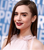 lily-collins-17~2.jpg